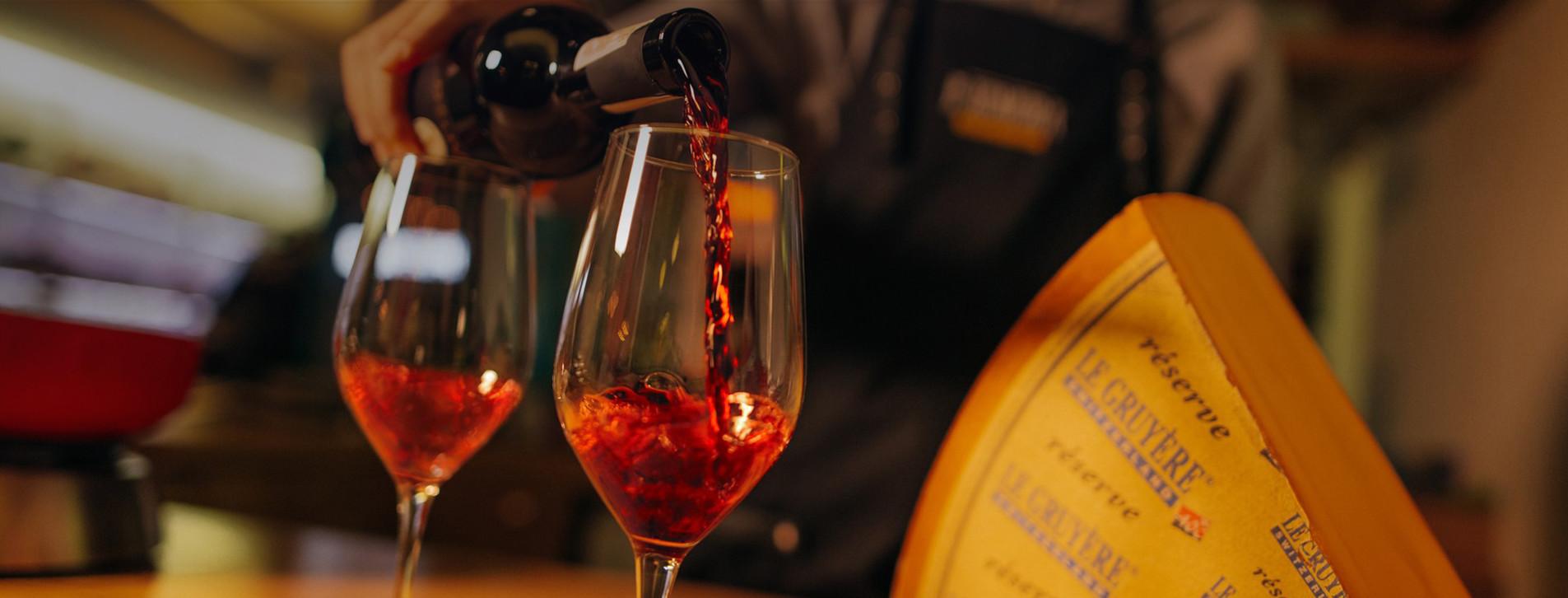 Фото - Дегустація вина та сиру для двох