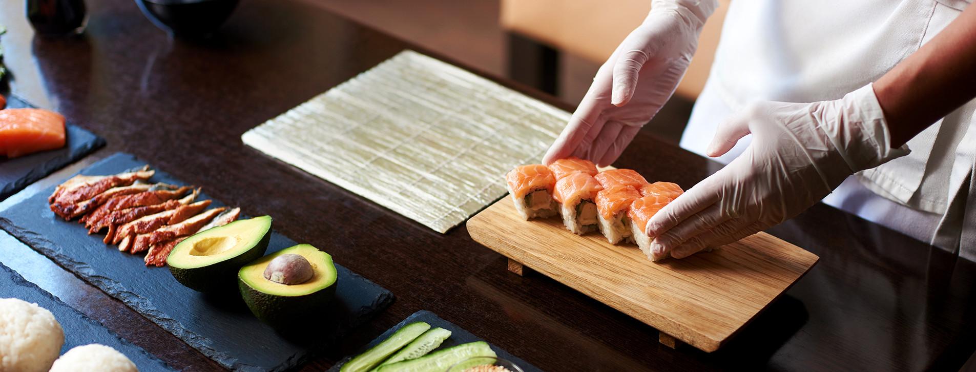 Фото - Мастер-класс суши для компании