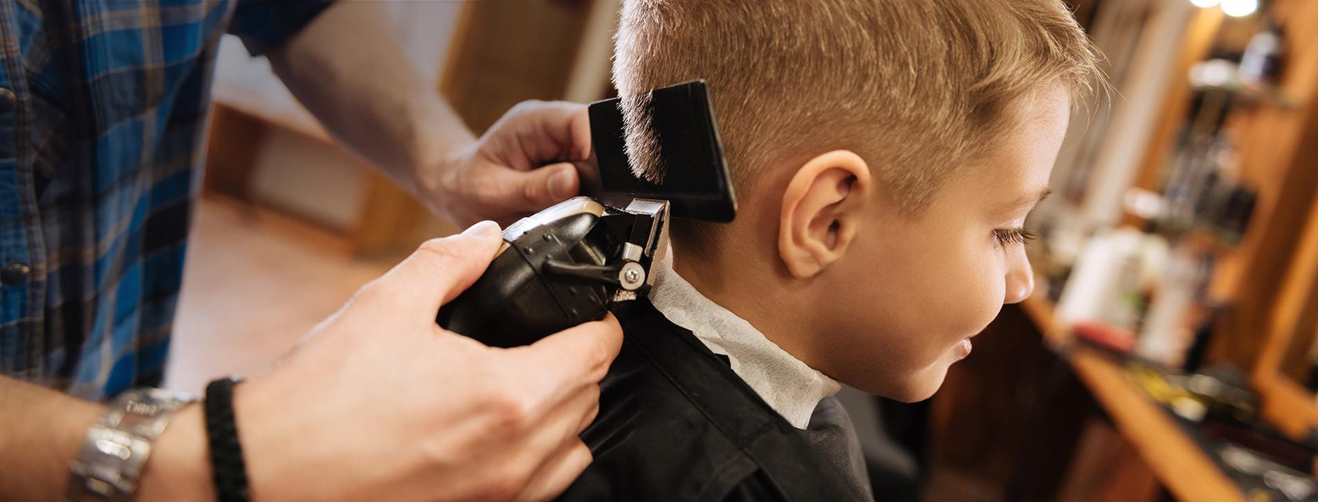 Фото - Дитяча стрижка в барбершопі